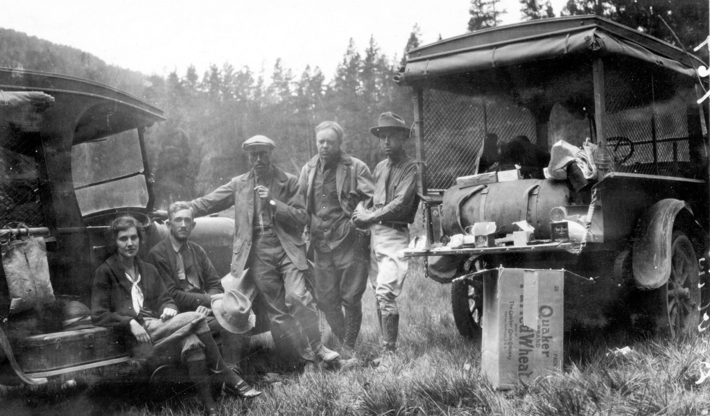 Yellowstone National Park, Wyoming. Tourist camping scene. 1924.